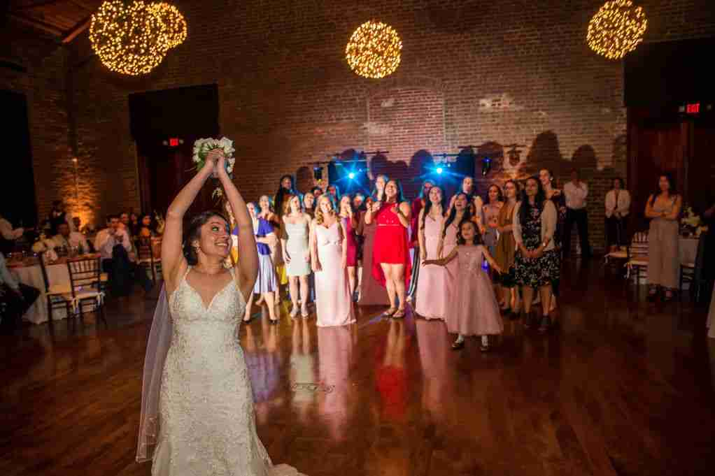 Bouquet Toss, DJ Creativity, Charles Morris Center, Savannah, GA