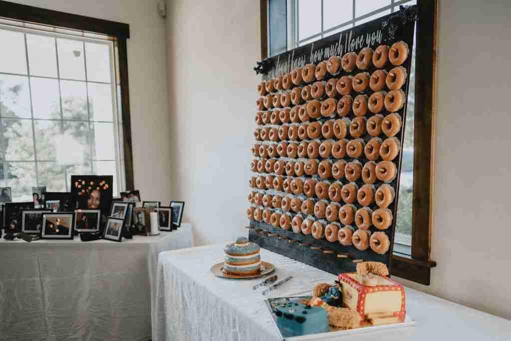 Charlotte Hornets Themed Wedding Ideas_Photos_Crispy Kreme Donuts