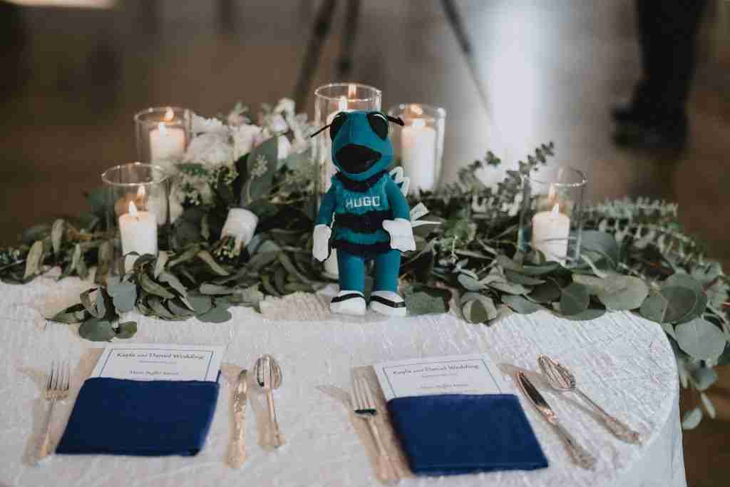 Charlotte Hornets Themed Wedding Ideas_Sweetheart Table