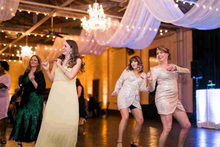 Savannah Wedding Vendors Guests Dancing At Savannah Station